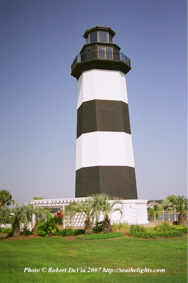 Governor's Lighthouse, SC c ©SEATHELIGHTS.COM